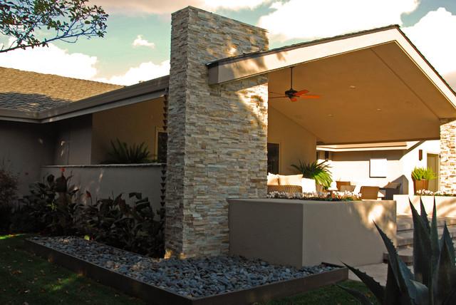 Contemporary Backyard Makeover contemporary-exterior