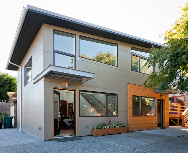 Contemporary Detached Accessory Dwelling Unit
