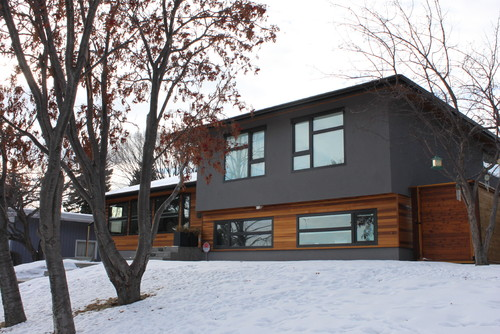 Modern renovation of a bungalow how to give a modern Exterior home renovations calgary
