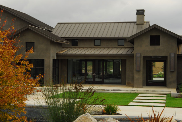 Contemporary farmhouse farmhouse exterior sacramento for Industrial farmhouse exterior