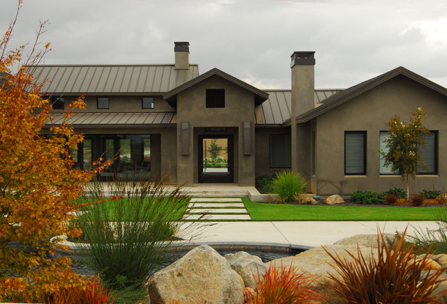 Contemporary farmhouse farmhouse exterior sacramento for Modern farmhouse exterior