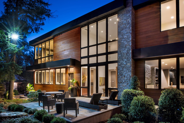 Inspiration for a contemporary exterior home remodel in New York