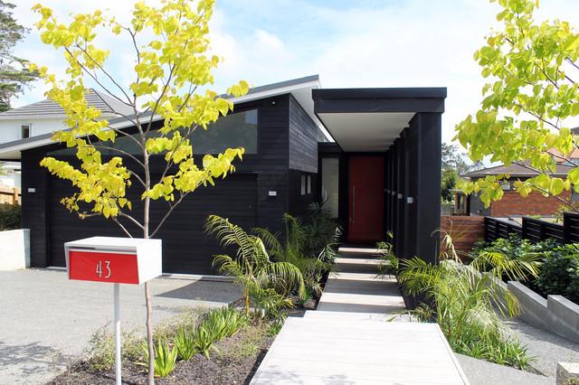 Contemporary New House in Pt Chevalier contemporary-exterior