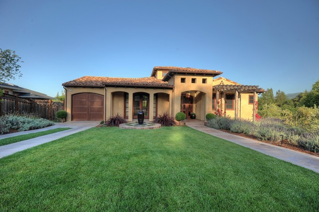 Contemporary tuscan for Tuscan home exterior colors