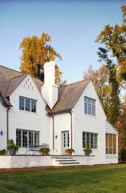 Cotswold house exterior for Pictures of exterior painted brick houses