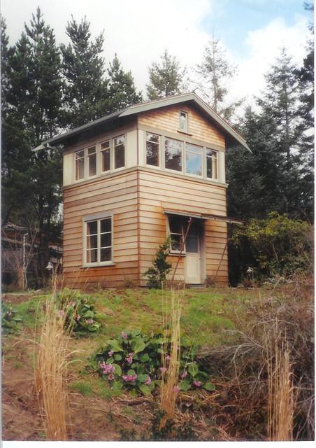 Cottage Compound contemporary-exterior