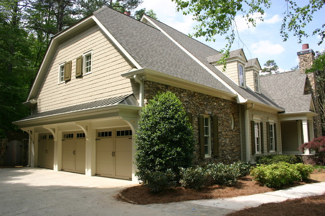 Cottage Curb appeal traditional-exterior