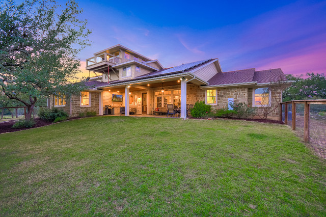 Inspiration for a timeless exterior home remodel in Austin