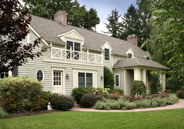 Country club drive long island victorian exterior new york by sussan lari architect pc for Benjamin moore nantucket gray exterior