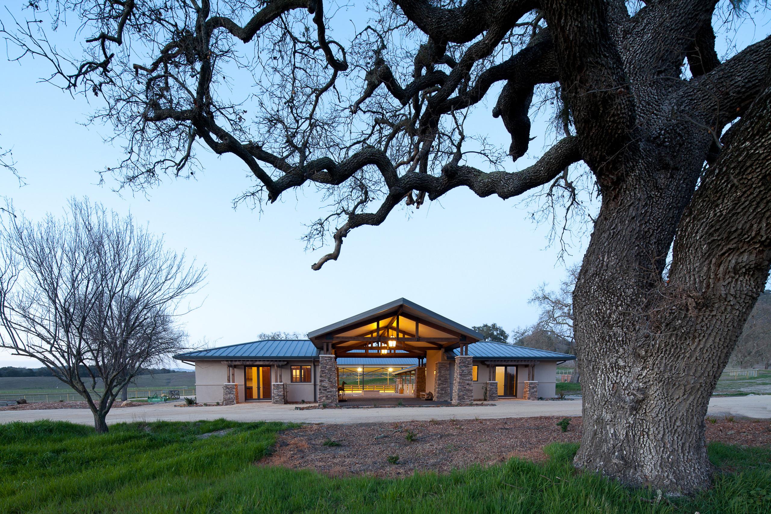 75 Beautiful Farmhouse Stucco Exterior Home Pictures Ideas December 2020 Houzz