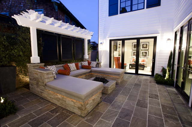 Courtyard Firepit traditional exterior