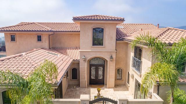 Mediterranean exterior home idea in Los Angeles