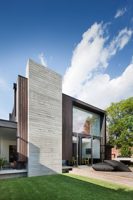 Courtyards pools gardens contemporary exterior for Courtyard designs melbourne