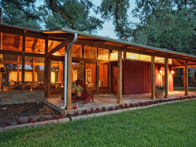 Lovely Example Of A Mid Sized Country One Story Exterior Home Design In Austin