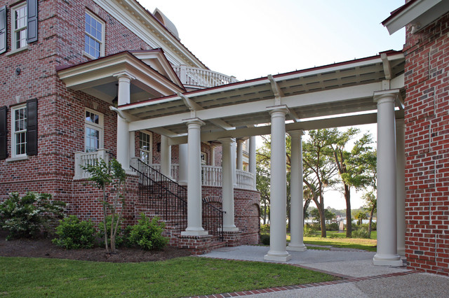 Covered trellis connector between garage and main house traditional exterior charleston - Building trellises property ...