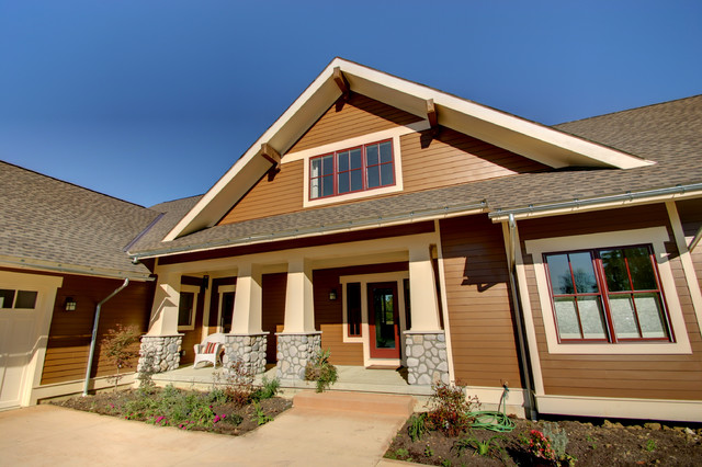 Craftsman Cottage: Courtyard Entry traditional exterior