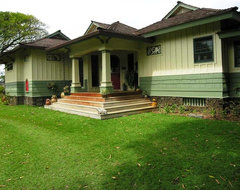 Craftsman Cottage tropical-exterior