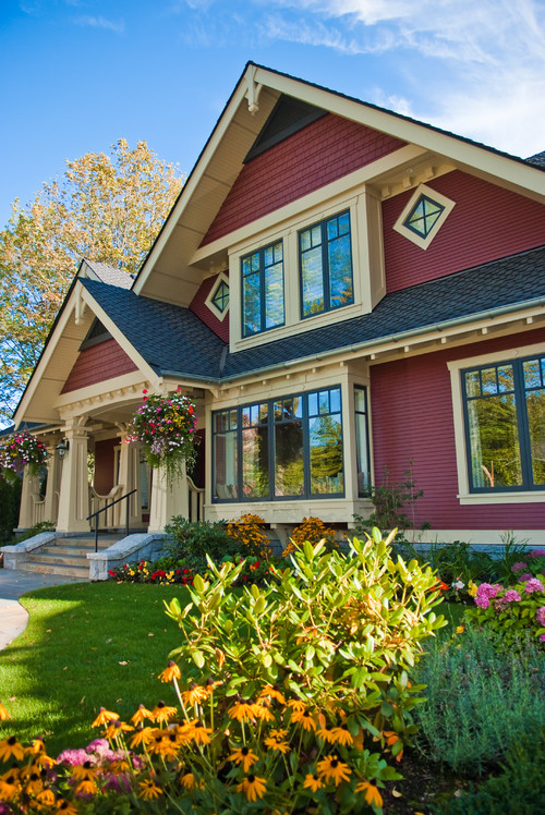 Choosing exterior paint colors town country living for Craftsman exterior color schemes
