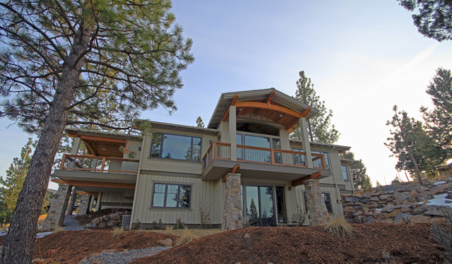 Craftsman on the Hill traditional-exterior