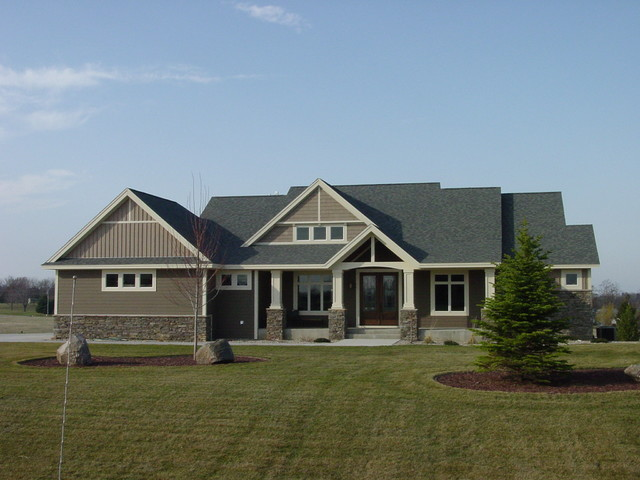 Craftsman rambler craftsman exterior minneapolis for Rambler style homes