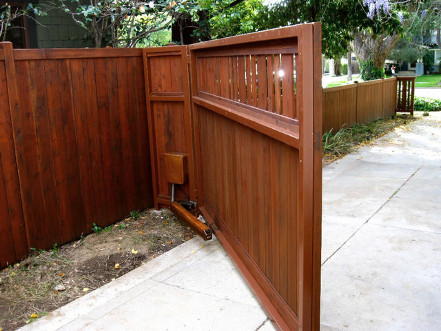 Craftsman Style Gate Automatic Driveway Exterior Los Angeles By Harwell