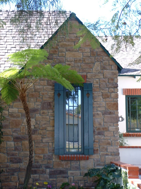 Craftsman Style Window And Shutter