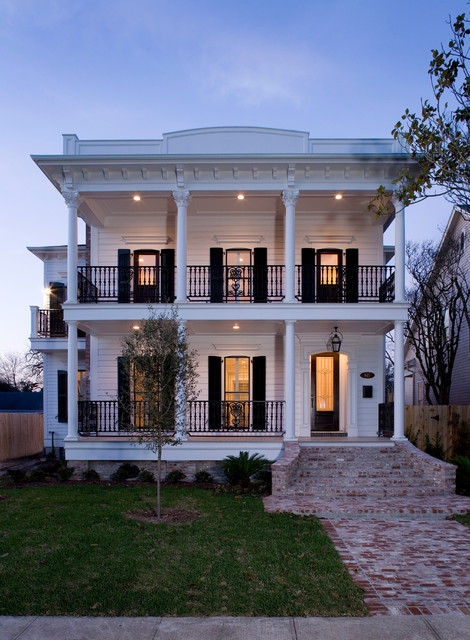 Creole style in the heights for Traditional american architecture