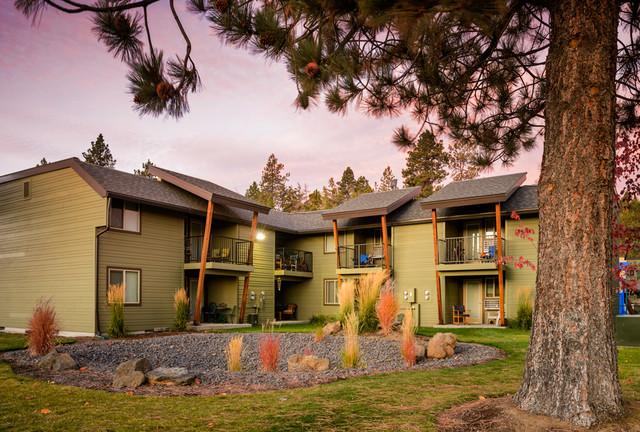 Crest Butte Apartments modern-exterior