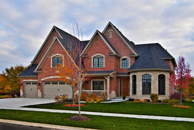 Custom homes traditional exterior chicago by king for Questions to ask a custom home builder