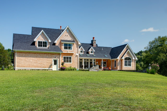 Custom home 3000 4000 square feet traditional exterior for 4000 square foot homes