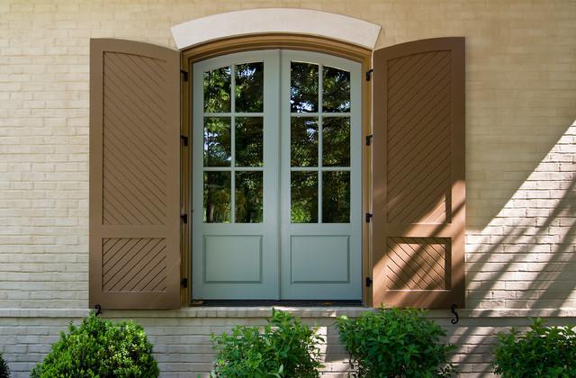 Custom Home by Rob Carpenter Construction: Golf Club Lane traditional-exterior