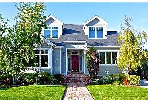 Trendy exterior home photo in San Diego