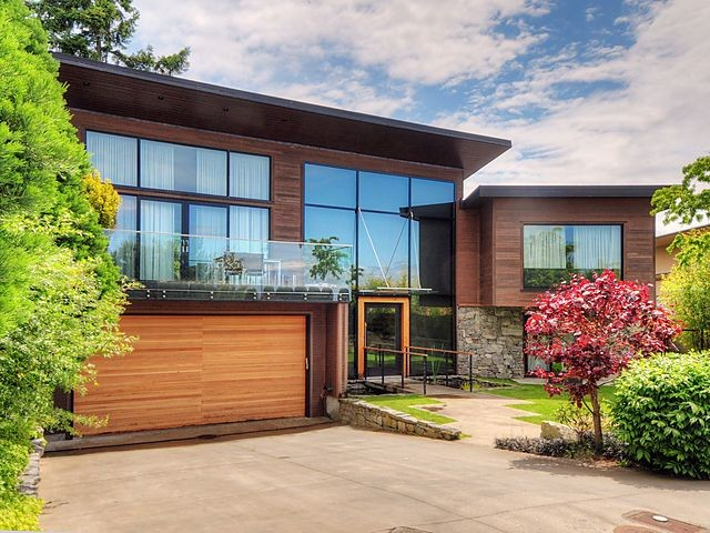 Custom home contemporary exterior ottawa by ottawa for Exterior by design ottawa