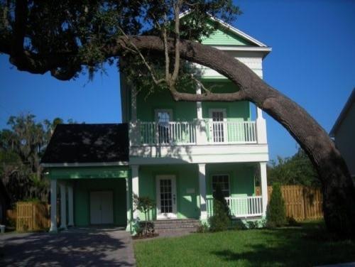 Custom homes traditional exterior orlando by for Custom home exterior design