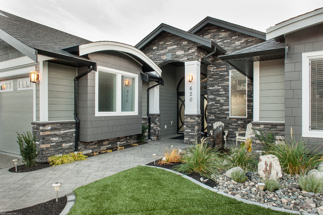 Custom lake front home with canmore uintah ledgestone for Exterior ledgestone