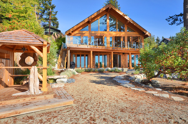 Rustic Exterior by Streamline Design Ltd. - Kevin Simoes