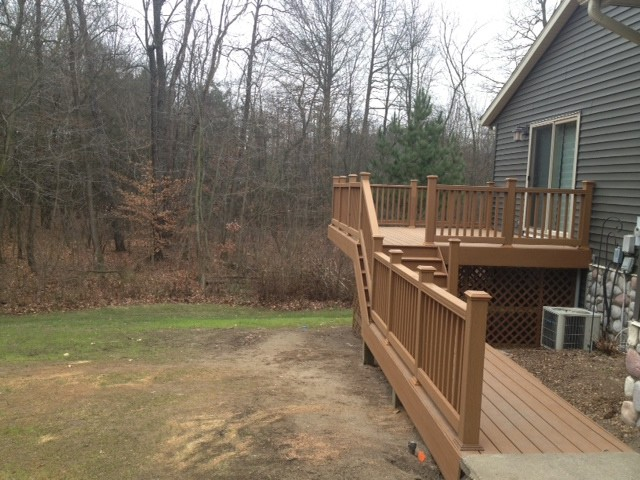 Deck and Railing Traditional Exterior grand rapids