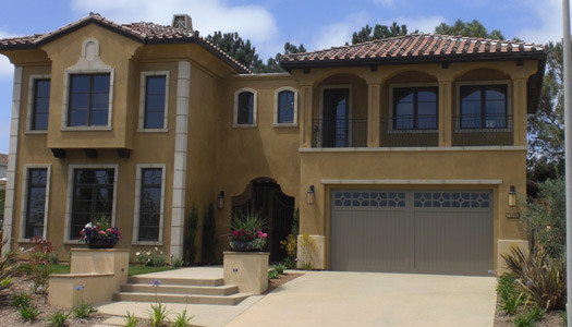 Example of a classic exterior home design in San Diego