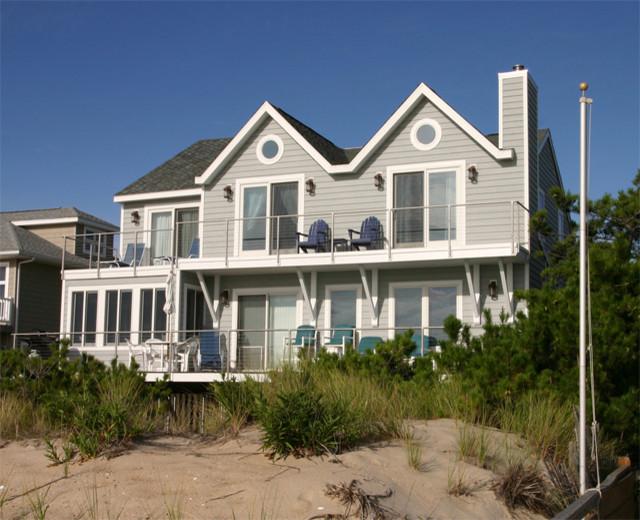 Delaware Beach House contemporary-exterior