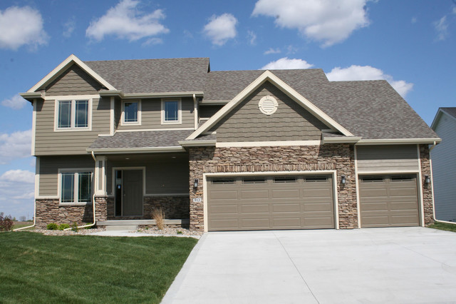 Design 29216 the Pebblebrook American Traditional Exterior