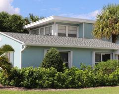 Vero Beach Florida - Aqua Cottage at South Beach beach-style-exterior