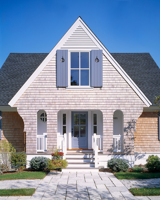 Traditional Exterior Homes: By Polhemus