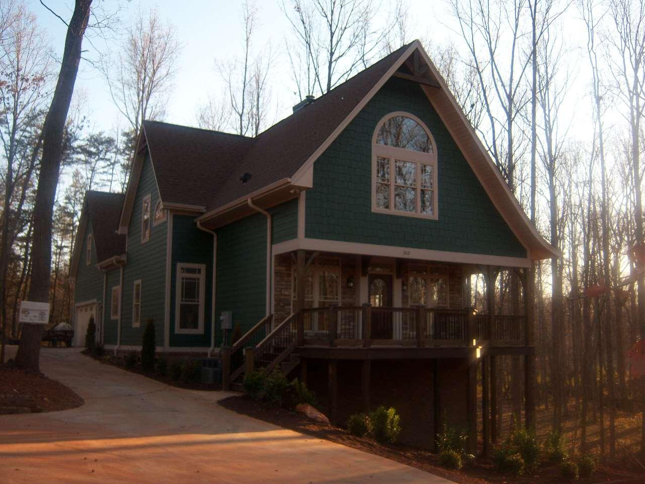 Disney Cottage Nestled on 3.5 Acres