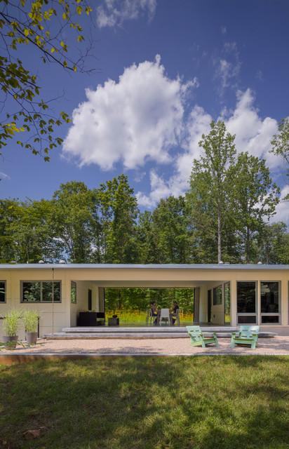 Dog trot house charlottesville va modern exterior for Modern dogtrot house plans