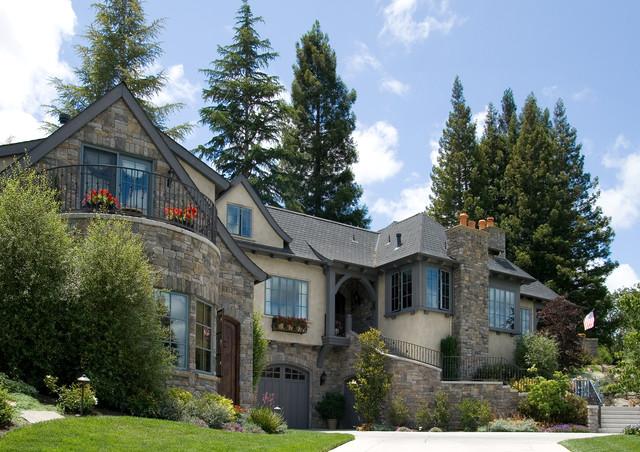 Dolinar residence for Garage garcia saint mammes