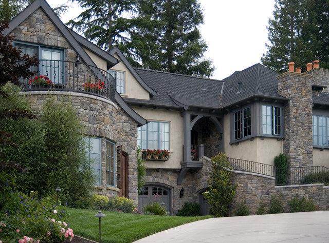 Dolinar Residence traditional-exterior