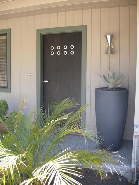 Doorlenz Assembly & Installation modern-exterior