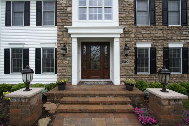 doors traditional-exterior