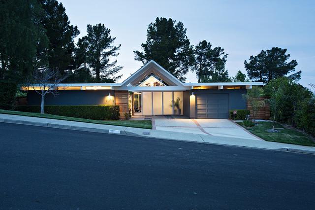 Midcentury exterior design