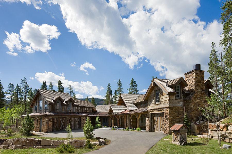 Traditional exterior home idea in Denver